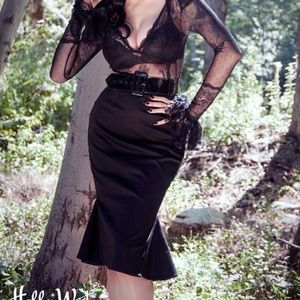 NWT Deadly Dames Kinky Ruffles Skirt Size Medium